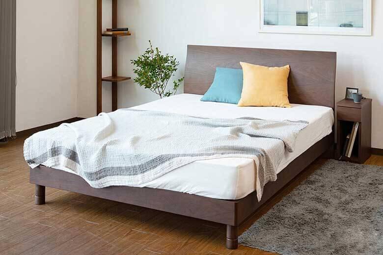 厚みのあるマットレスにおすすめの木製ベッド『カルディナ[ウォールナット]』