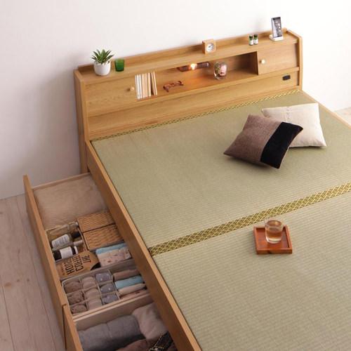 使う人に合わせて考えた 棚・照明・コンセント付畳ベッド (セミダブル)
