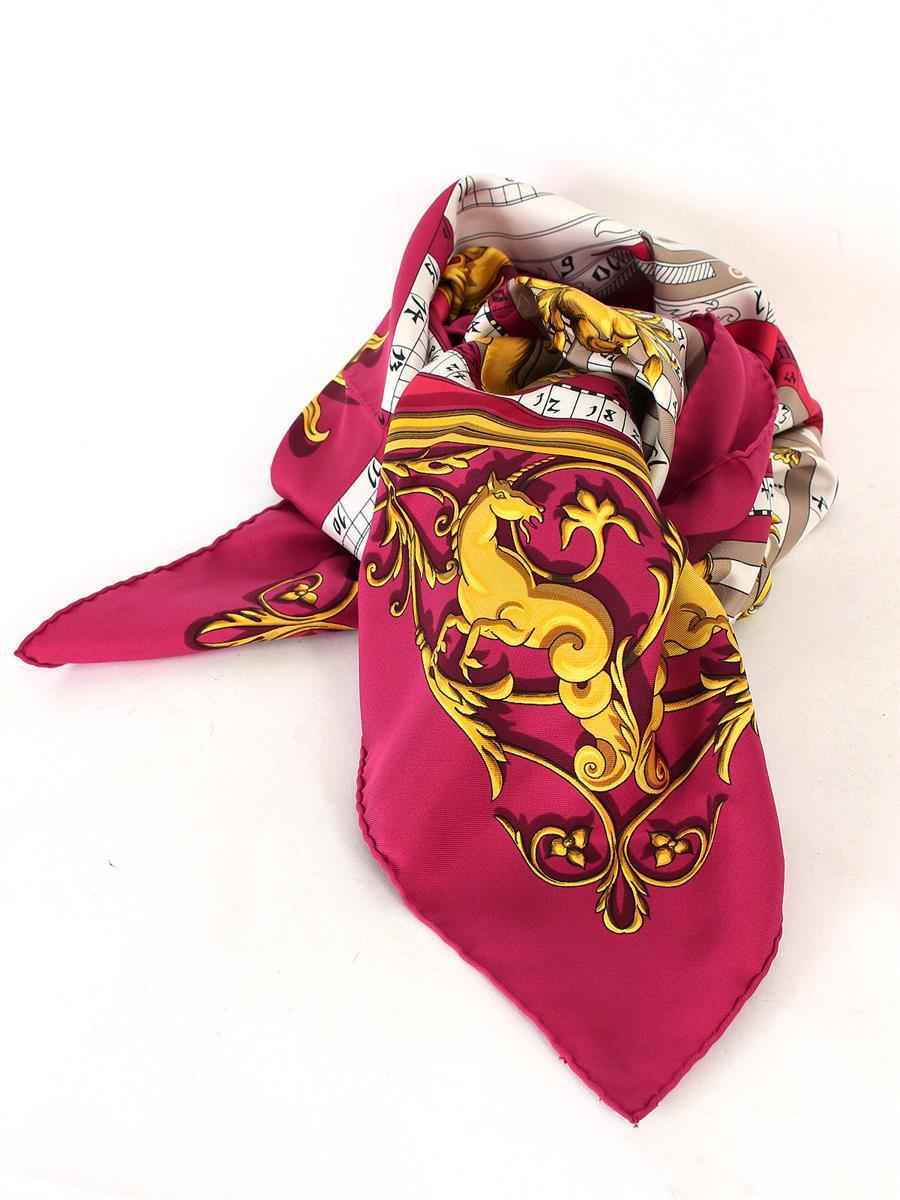 エルメス カレ スカーフ