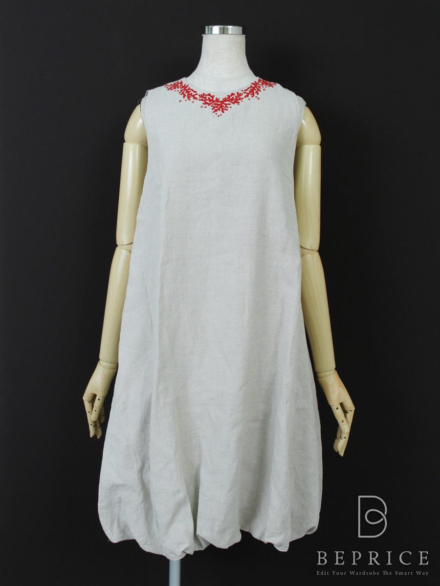 デイジーリン for フォクシー ワンピース LINEN SANGOドレス 小さな糸ツレあり
