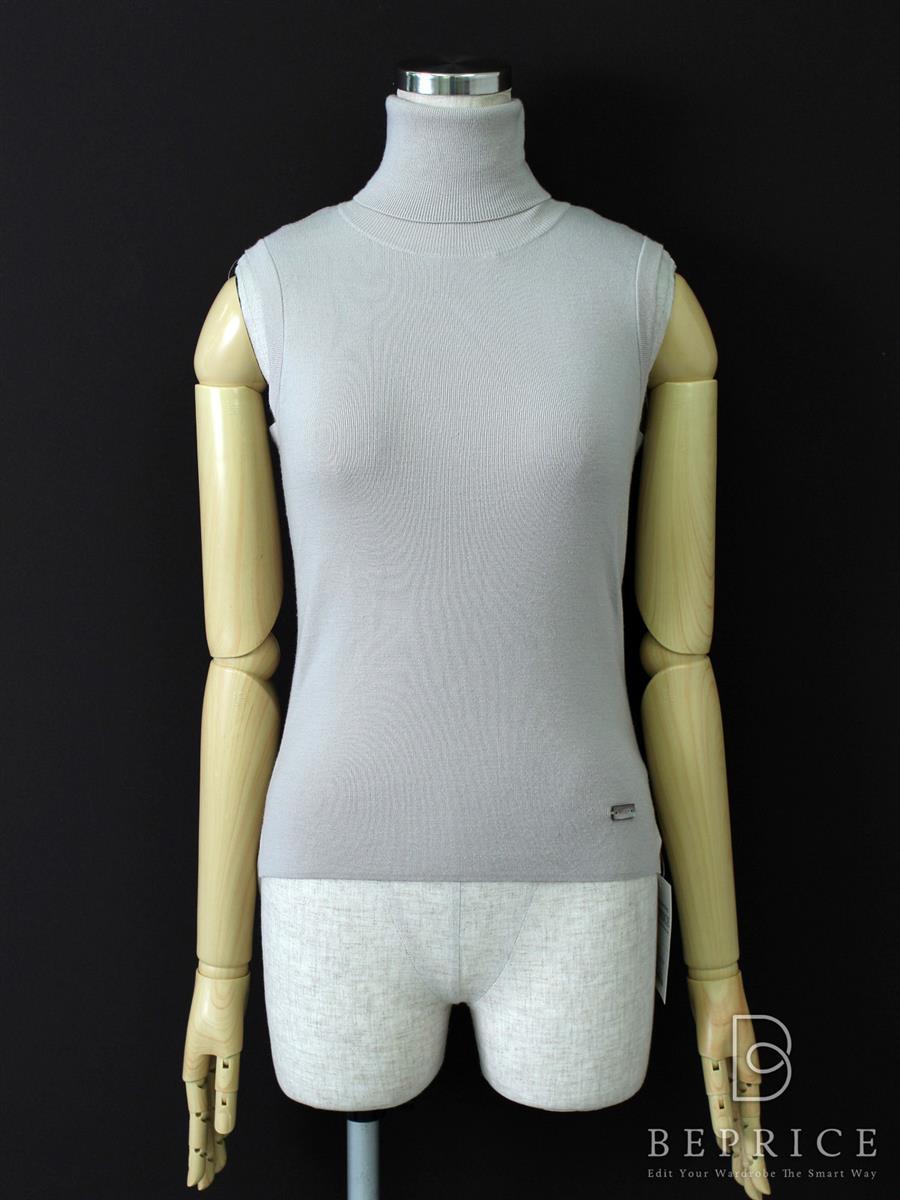 フォクシーブティック トップス Sleeveless Turtleneck Sweater