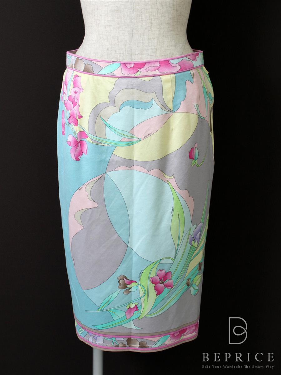 レオナール フラワープリント スカート