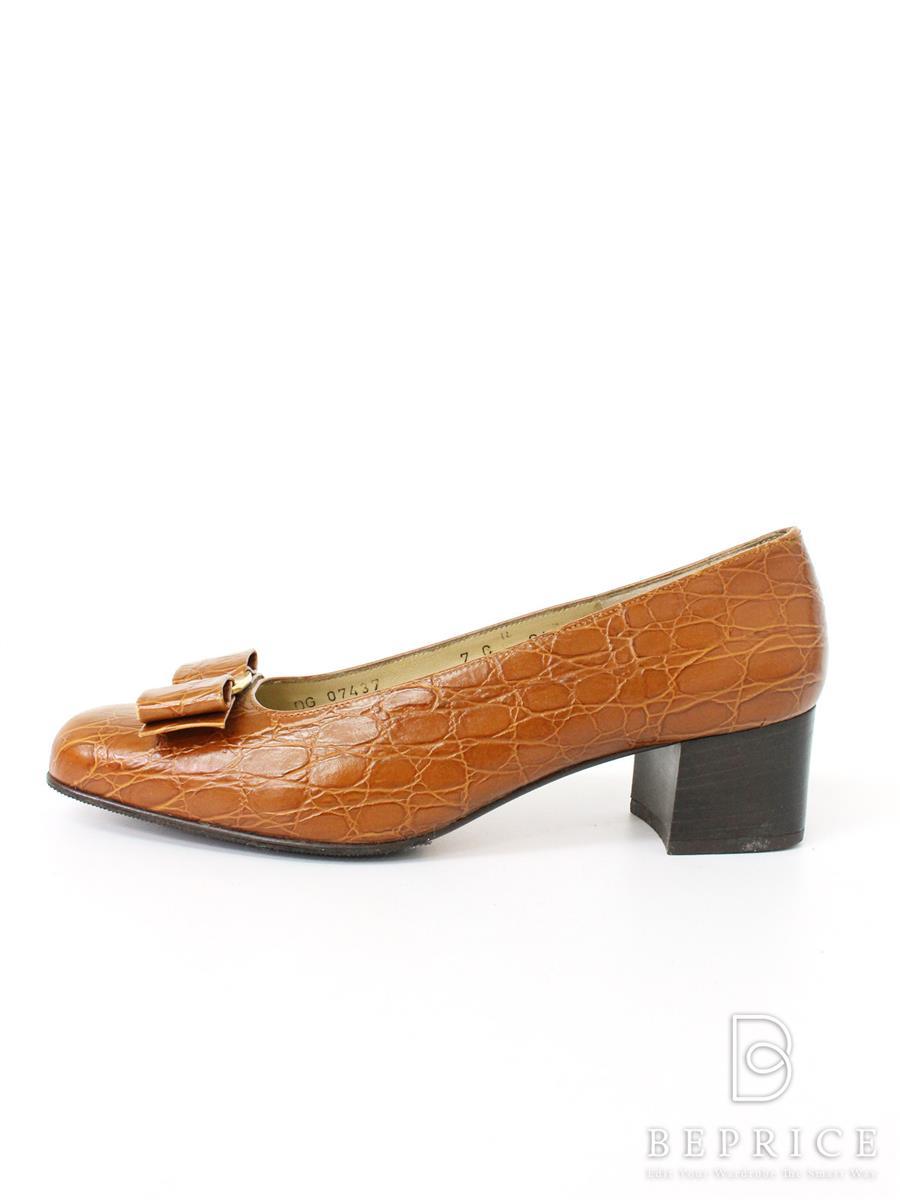 サルヴァトーレフェラガモ パンプス パンプス 靴 薄汚れあり