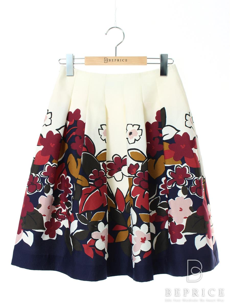 エムズグレイシー スカート フレアー 花柄 赤いシミあり