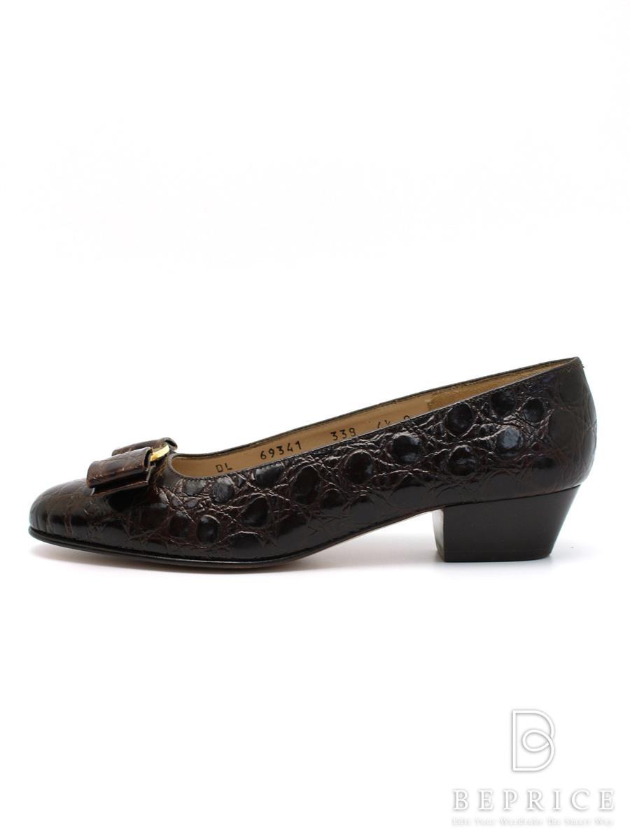 サルヴァトーレフェラガモ 靴 パンプス ヴァラ リボン 型押し
