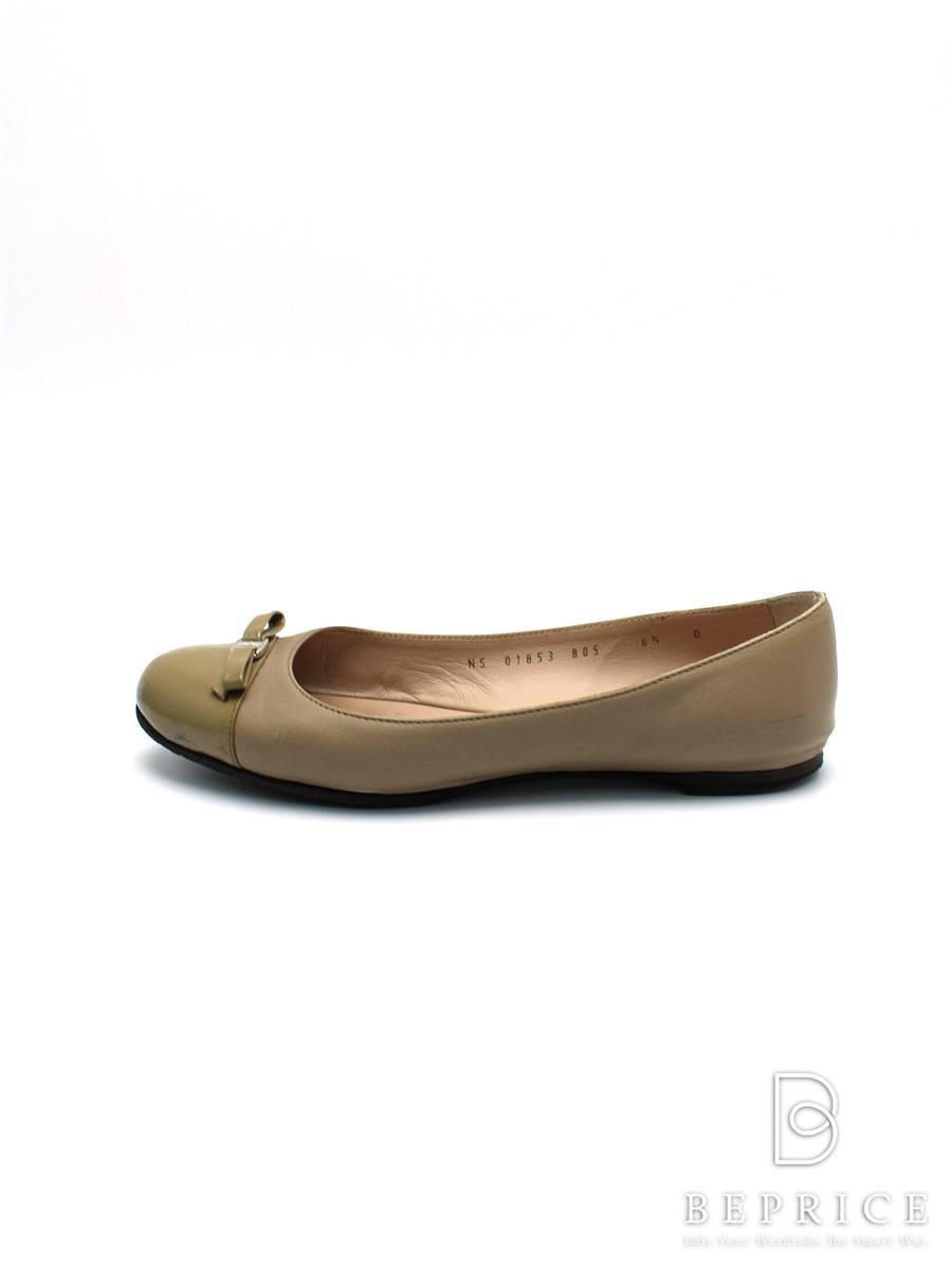 サルヴァトーレフェラガモ パンプス 靴 パンプス フラット リボン 汚れ等あり