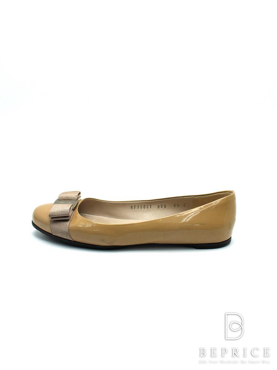 サルヴァトーレフェラガモ パンプス 靴 パンプス ヴァラ リボン 薄汚れあり