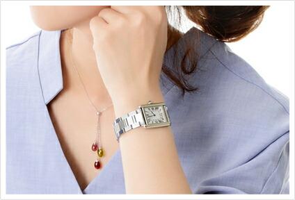 タンクソロの腕時計