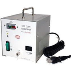 日章工業NISSYOINDUSTRY変圧器(ダウントランス)「トランスフォーマSDXシリーズ」(110/120V・1500W)SDX-1500U[SDX1500U]