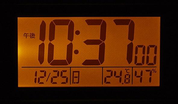 リズム時計RHYTHM目覚まし時計【スヌーピーR187】白8RZ187-M03[デジタル/電波自動受信機能有][8RZ187M03]