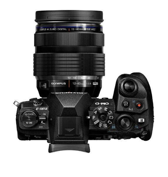 オリンパスOLYMPUSOM-DE-M1MarkIIミラーレス一眼カメラ12-40mmF2.8レンズキットブラック[ズームレンズ][OMDEM1MARK2・1240MM]