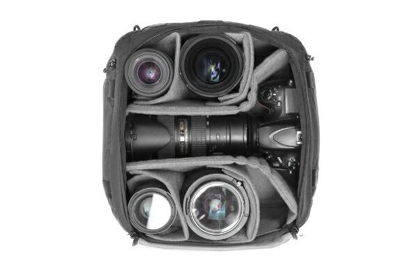 PEAKDESIGNピークデザインカメラキューブミディアムBCC-M-BK-1