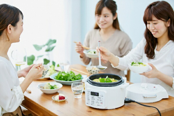 アイリスオーヤマIRISOHYAMA電気圧力鍋ホワイトPC-MA2-W
