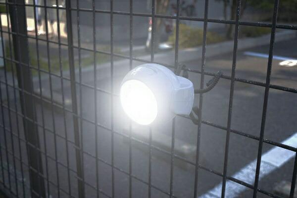 トレードワンTRADEONE人感センサーライトくらやみ照らすっちホワイト30555