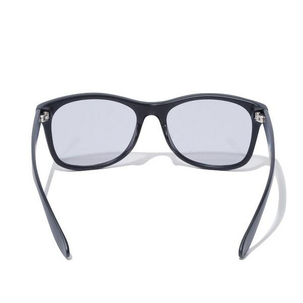 ニューエラのサングラス