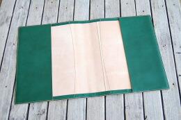 皮革専用糸でしっかりと縫い上げました。