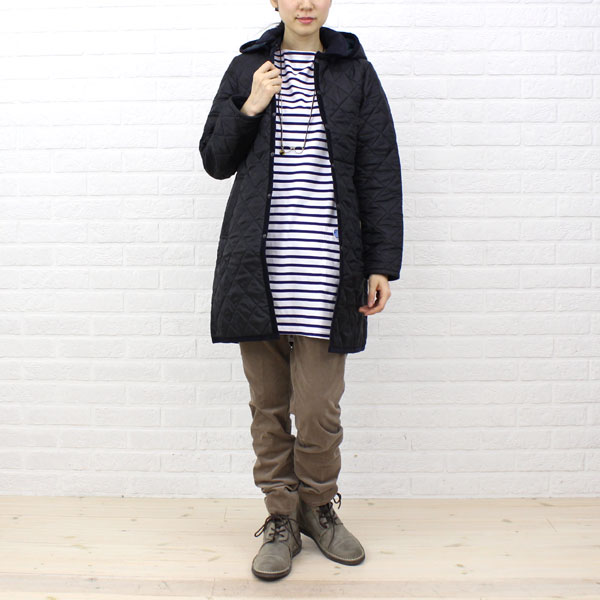 "Wearing image of quilting coat ""HALSTEAD"", HALSTEAD with the LAVENHAM( ラベンハム) polyester food"