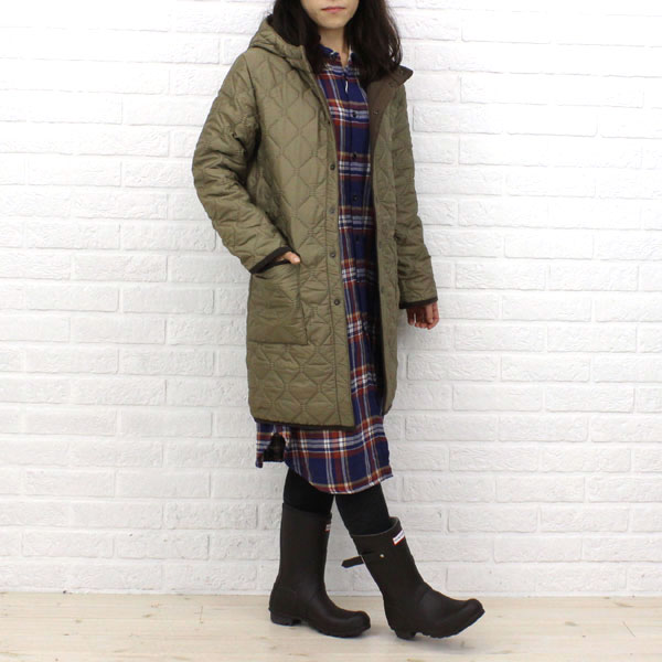 Wearing image of long coat, NAM0681 with the ARMEN( Amen) polyester quilting reversible food