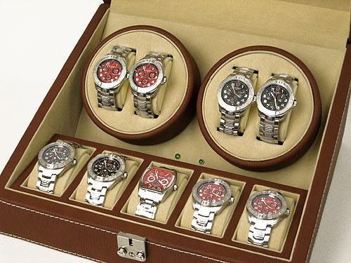 写真は腕時計をセットした状態です。 ※ 写真の時計は付属しません