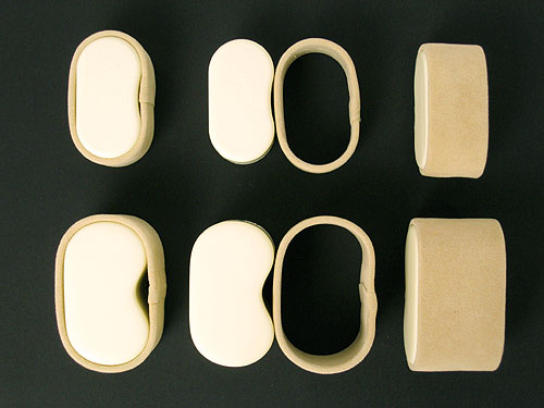 腕時計ホルダーは、外側がリング状になっており、女性や、手首のサイズの小さい方用に取り外して使うことも可能です。