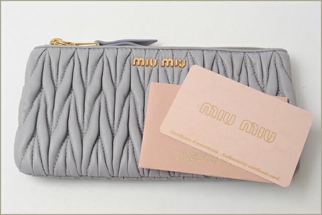 ミュウミュウ miumiu 財布