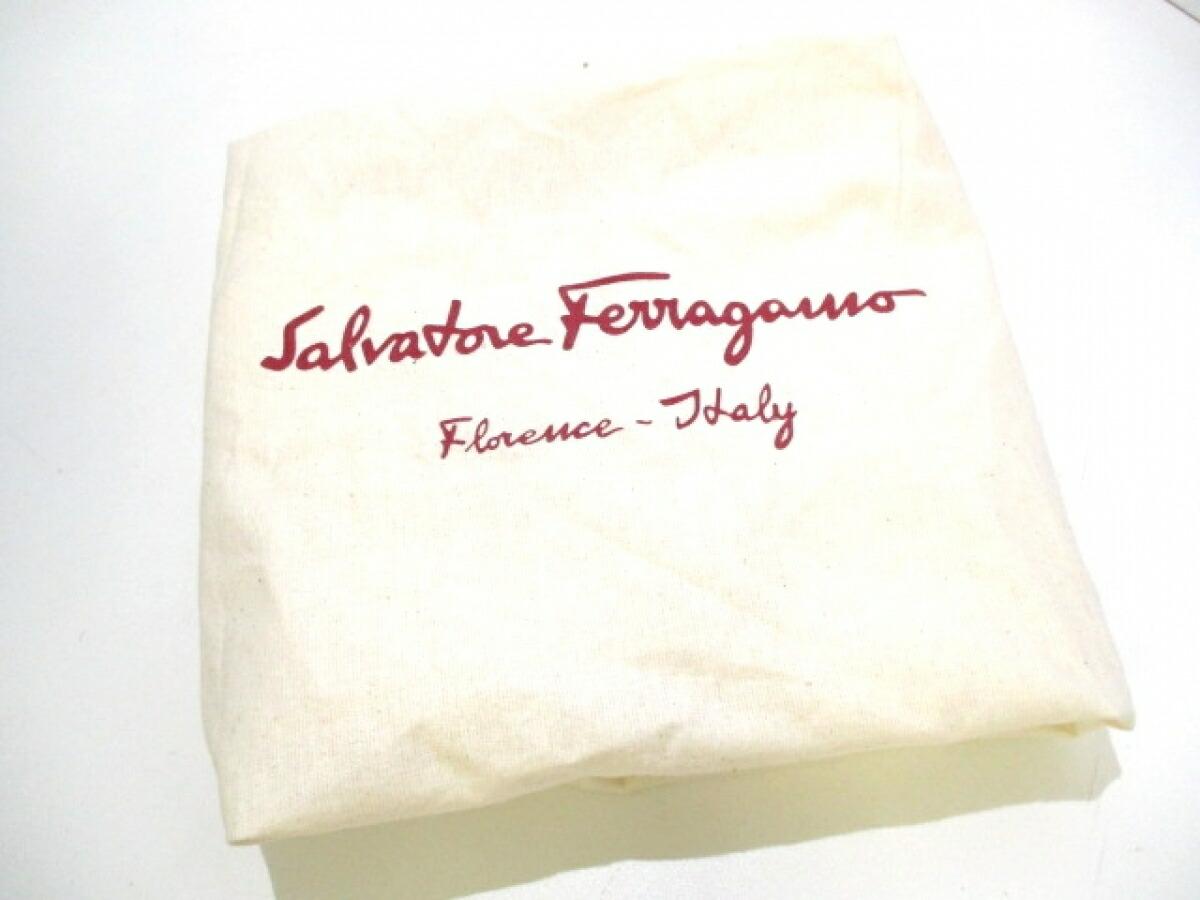 SalvatoreFerragamo(サルバトーレフェラガモ) ショルダーバッグ