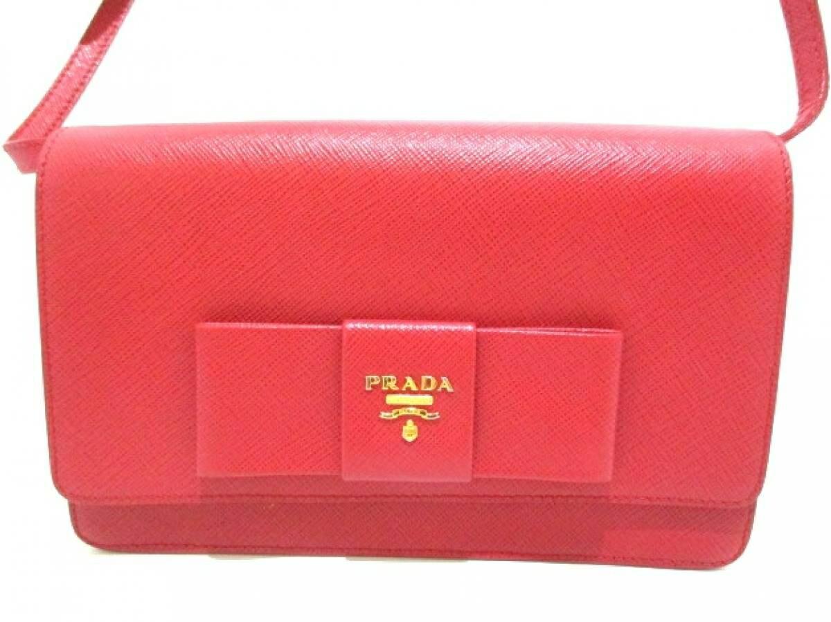 PRADA(プラダ) 財布