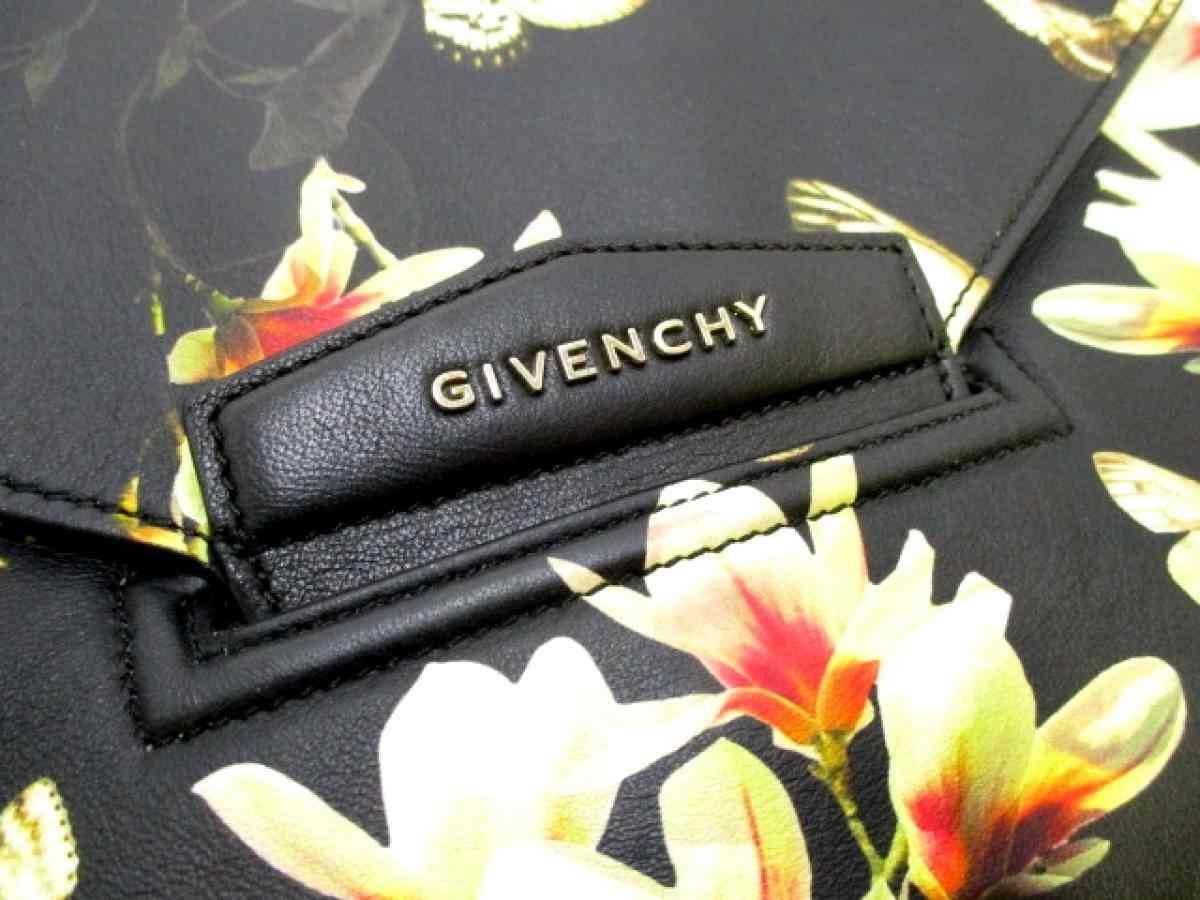 GIVENCHY(ジバンシー) クラッチバッグ