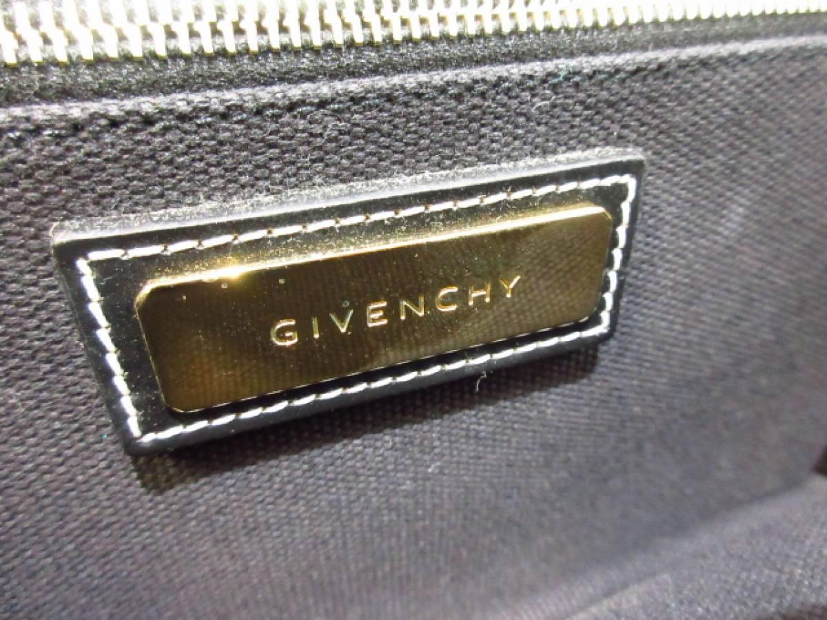 GIVENCHY(ジバンシー) ショルダーバッグ