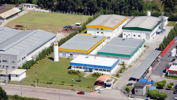 MNプロポリス社工場
