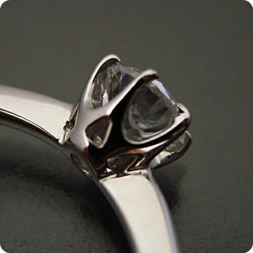 6本爪ティファニーセッティングタイプの婚約指輪