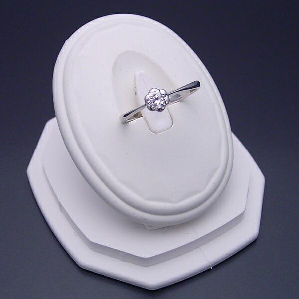 フラワーデザイン伏せこみタイプの婚約指輪