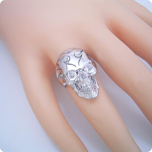 スカルモチーフの婚約指輪