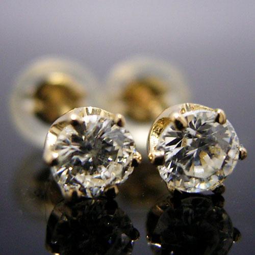 K18ゴールド・天然ダイヤモンド合計0.30カラット・ティファニータイプ6本爪スタッドピアス