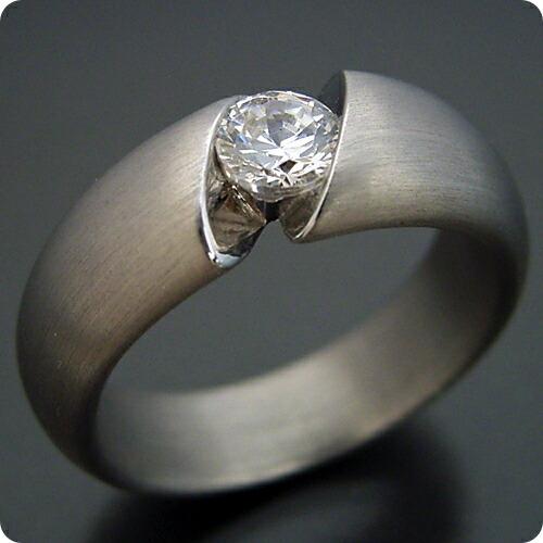 最高の着け心地の婚約指輪