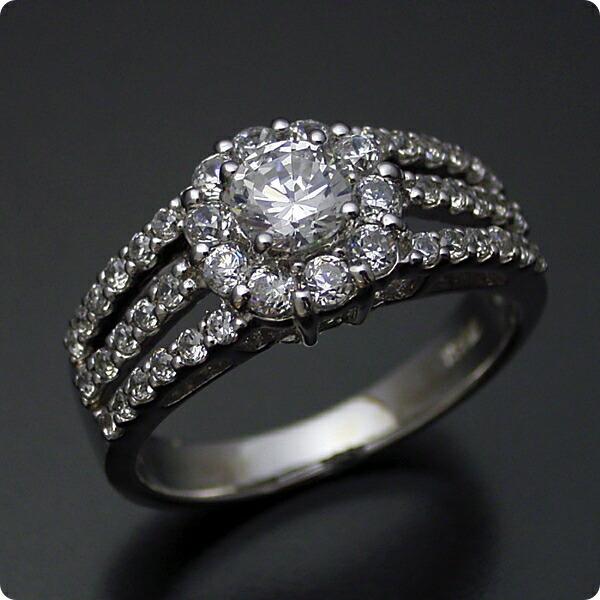 豪華なのに上品な婚約指輪