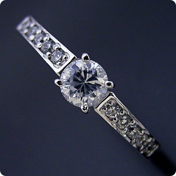 豪華で可愛い婚約指輪