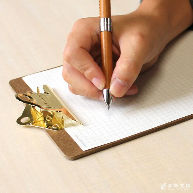 ノートやメモ帳感覚で、身軽に使えます