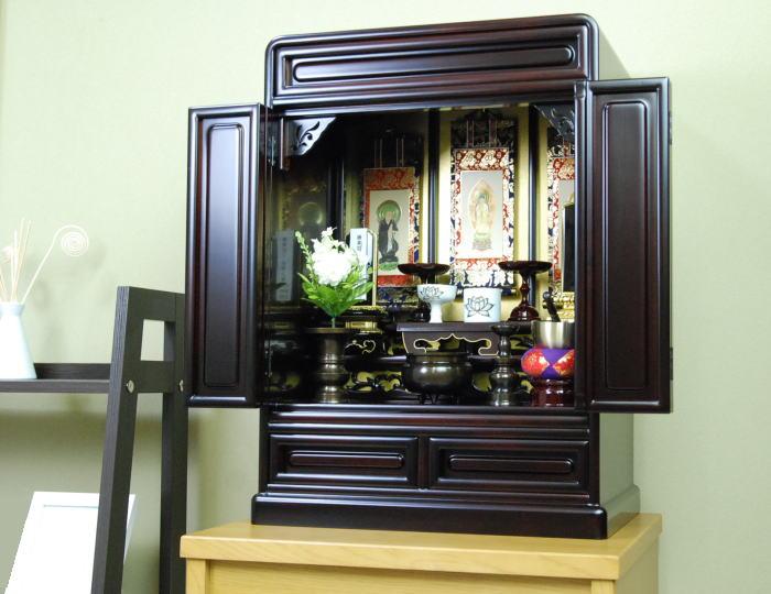 仏壇 国産品 「さくら2型18号桜色」木製 仏具設置例