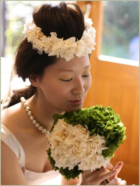 結婚式花嫁さんの大きなヘッドドレス
