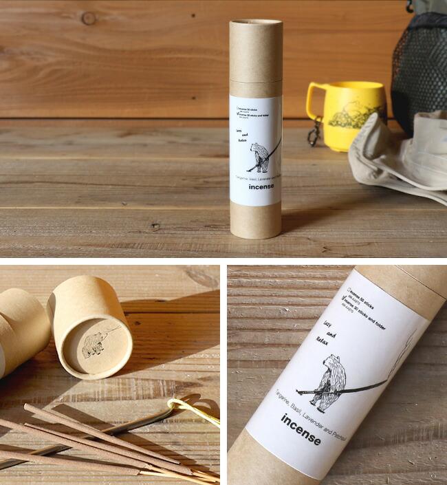 Kuumba international(クンバインターナショナル)とコラボレーションしたお香と、お香立てがセットになっています。タンジェリン、ラベンダーとパチョリをオリジナルでブレンドした爽やかな香りです。アウトドアフィールドでの使用を考えたステンレス製のペグ型のお香立てです。地面に立てて上部の穴にお香を刺して使用します。