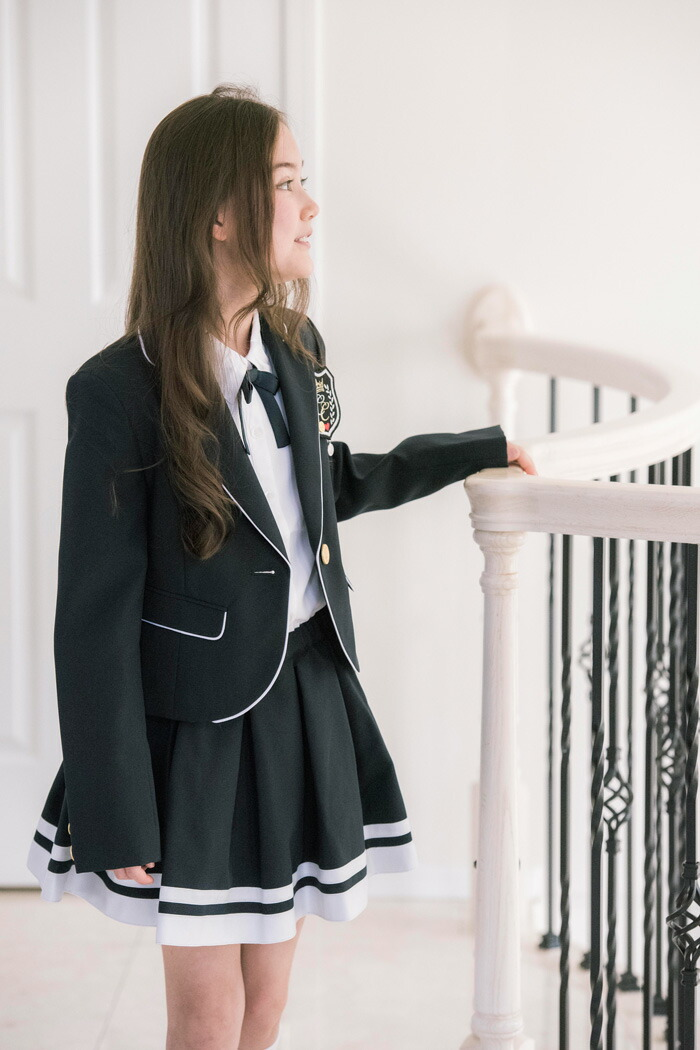 卒業式 スーツ 白