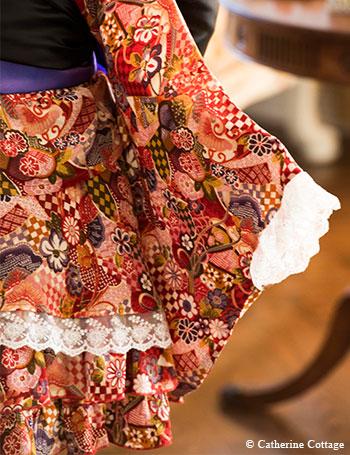 キャサリンコテージ オリジナル ちりめん着物ドレス 華やぎを添える上品なレース使い