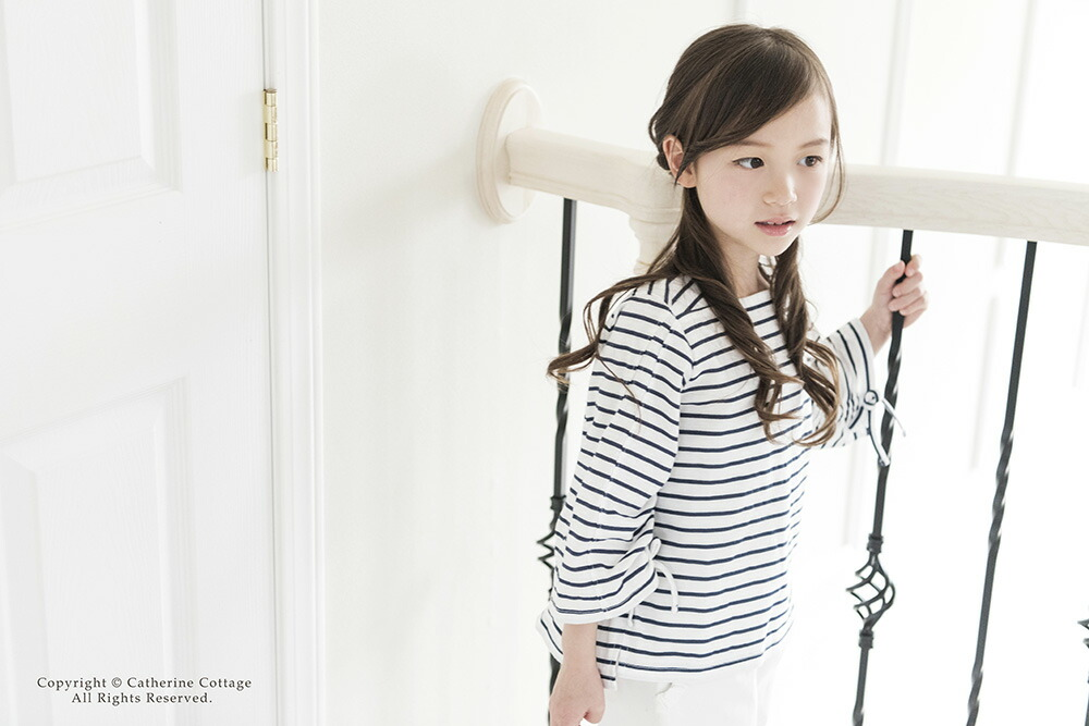 シンプルでかわいい女の子用子供服