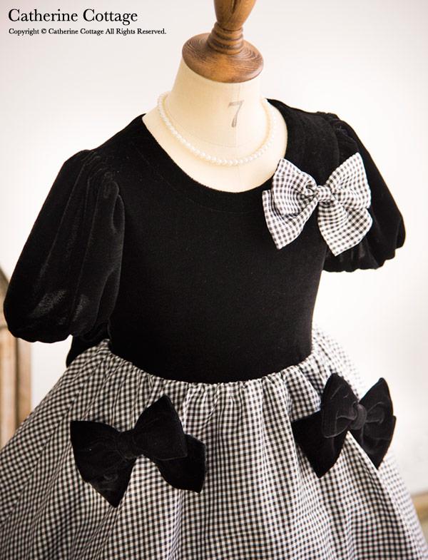 ベロアのパフスリーブにギンガムチェックの 気軽に着られるシンプルドレス