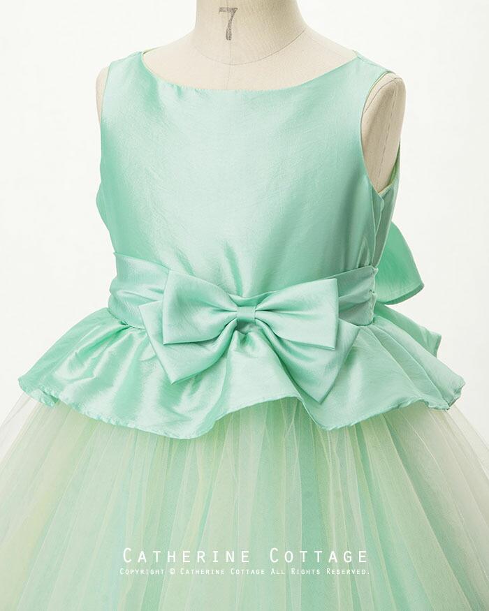 ペプラムドレスの画像