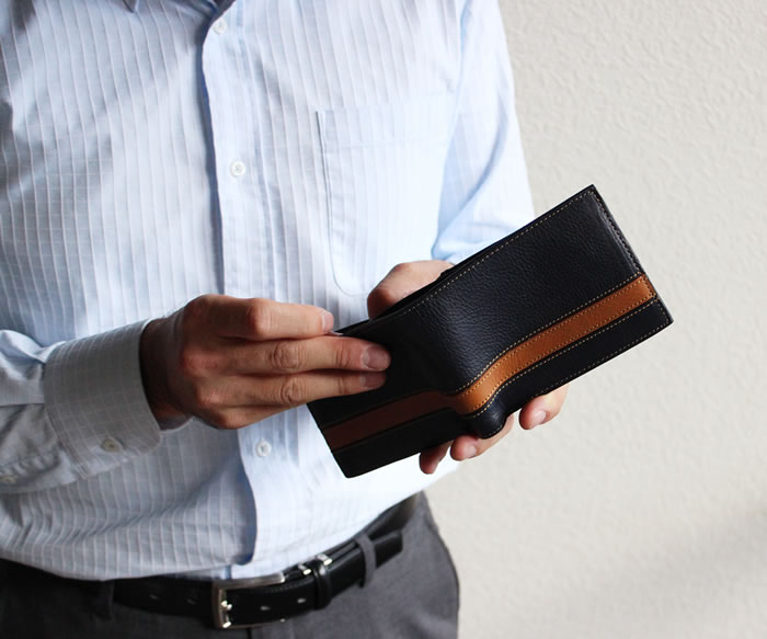 ボーダー・二つ折り財布