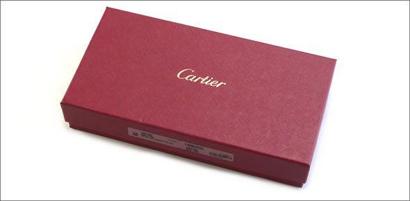 カルティエ L3001284 HAPPY BIRTHDAY ハッピーバースデー 2Cロゴ型押し 二つ折り長財布