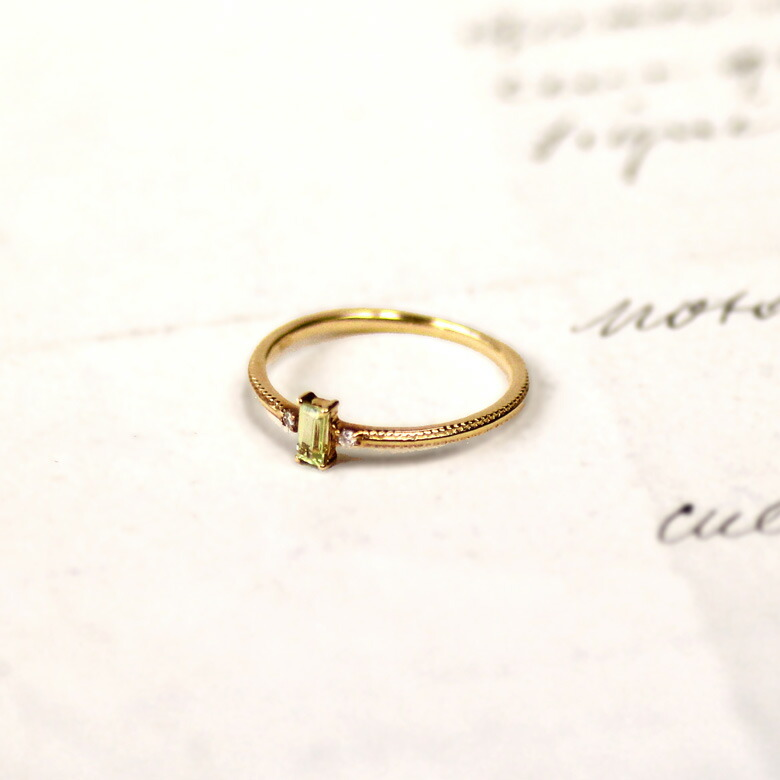 ペリドット リング 指輪 レディース ダイヤ バゲットカット 8月誕生石