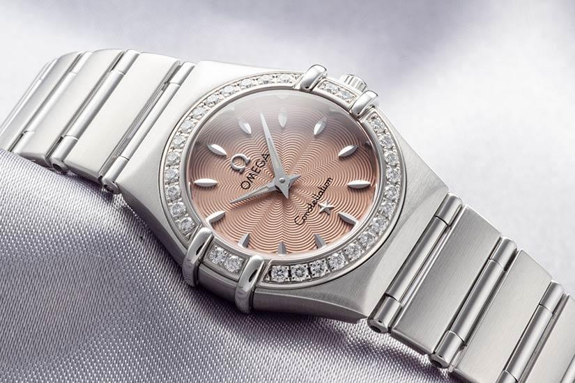 オメガコンステレーション ミニ Ref.1466.67 ステンレス ダイヤモンドベゼル サーモンピンクダイアル 1998年 589番
